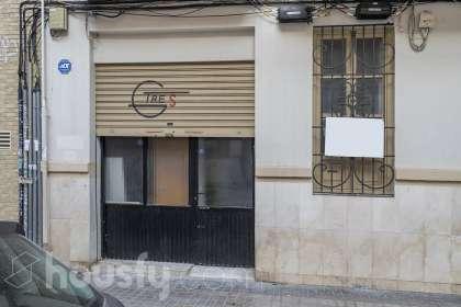 inmobiliaria housfy vende bajo en Calle Francisco Moreno Usedo