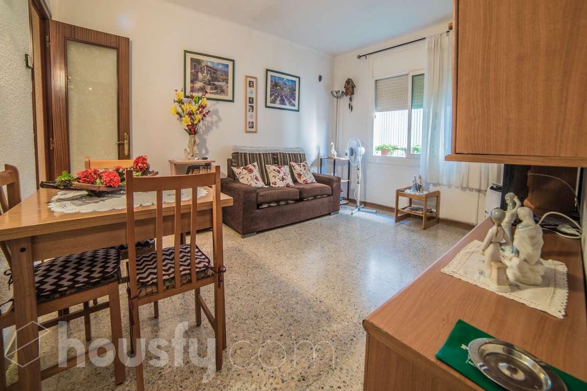inmobiliaria housfy vende piso en Calle Sant Enric