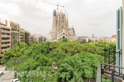 Piso en venta en Plaça Sagrada Família