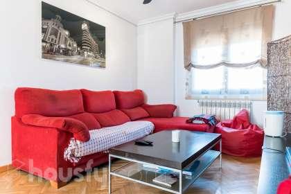 inmobiliaria housfy vende piso en Calle Pedrosa Del Principe