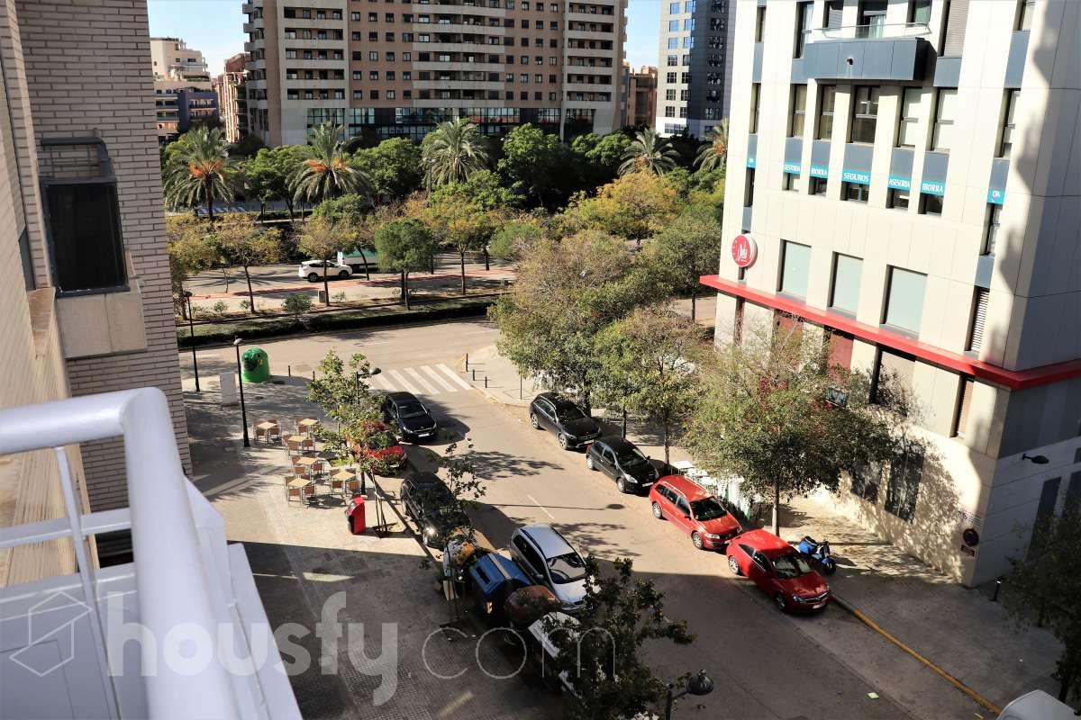 Compra Piso en Avenida Corts Valencianes De Les