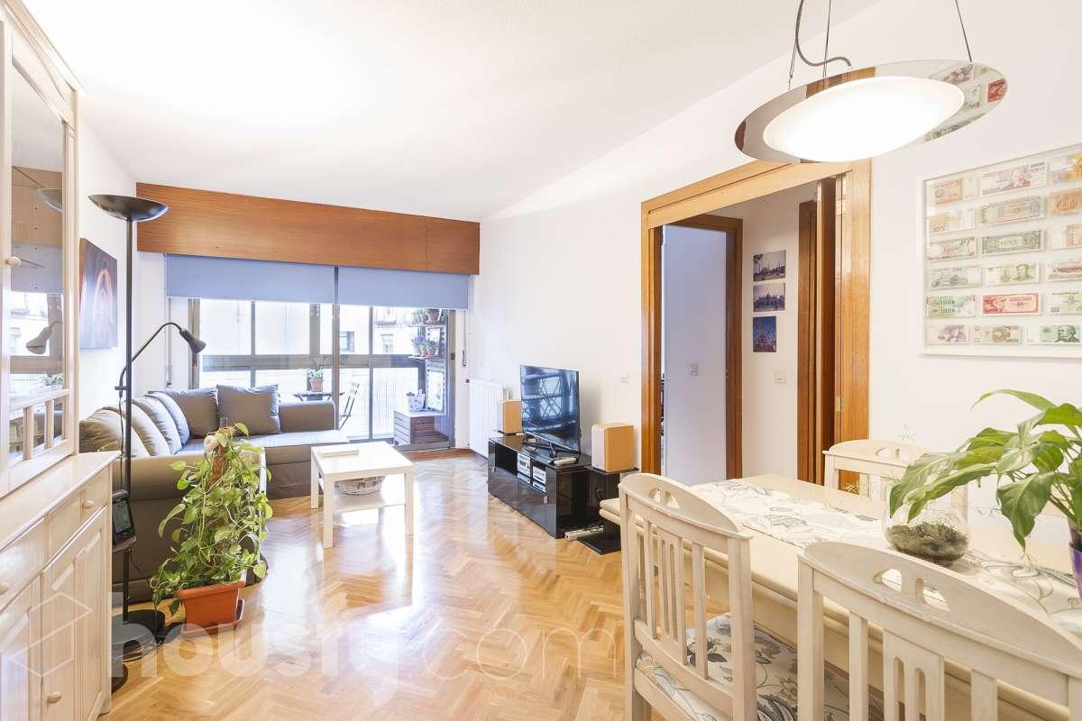 inmobiliaria housfy vende piso en Calle Aranjuez