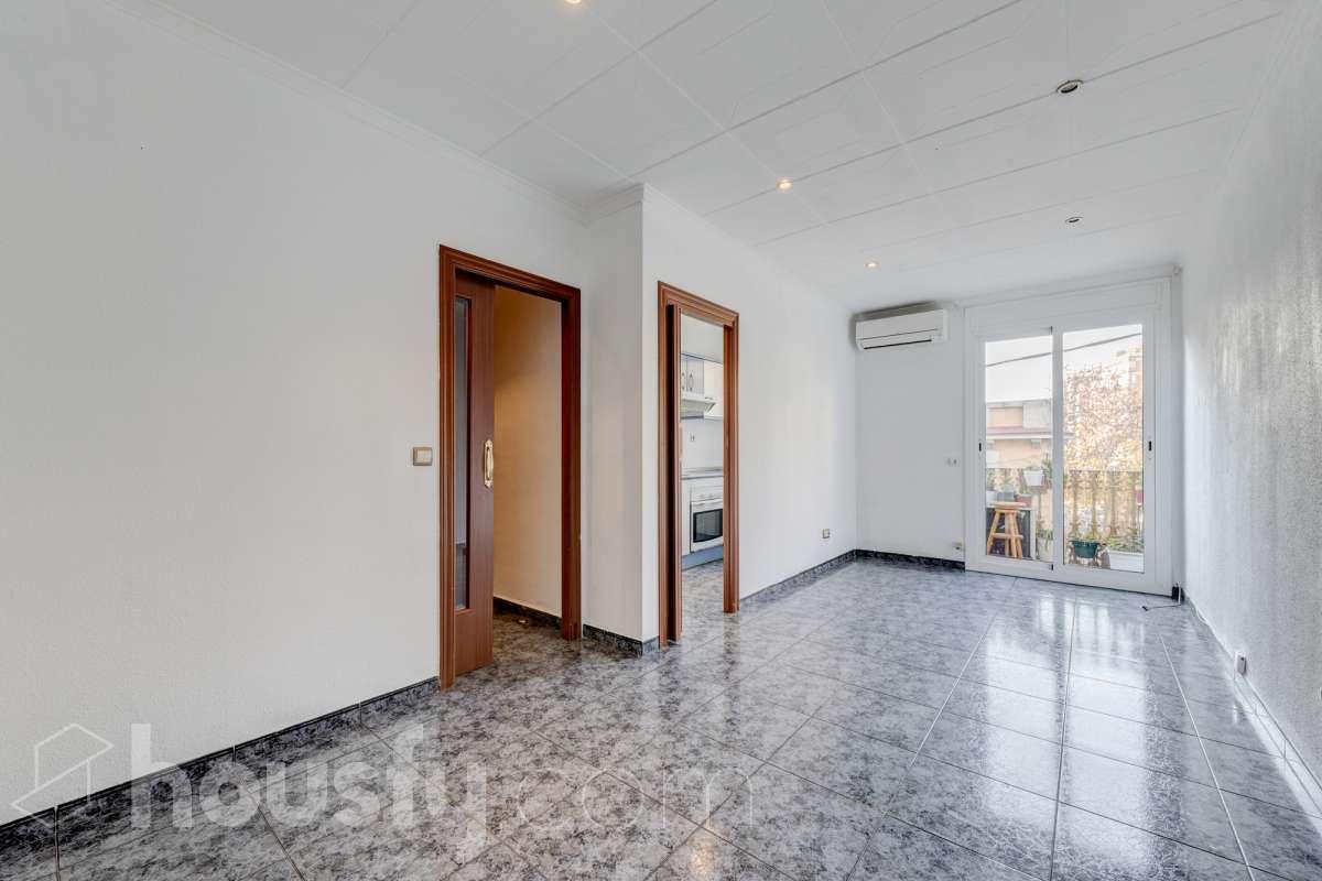 inmobiliaria housfy vende piso en Carrer de la Muntanya