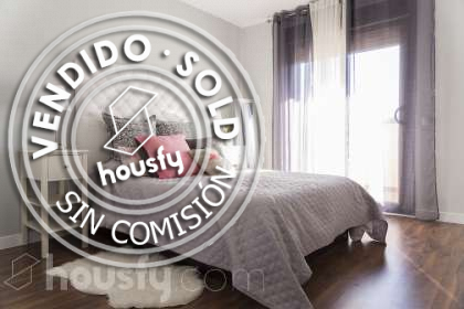 Casa en venta en Calle Carmen Conde