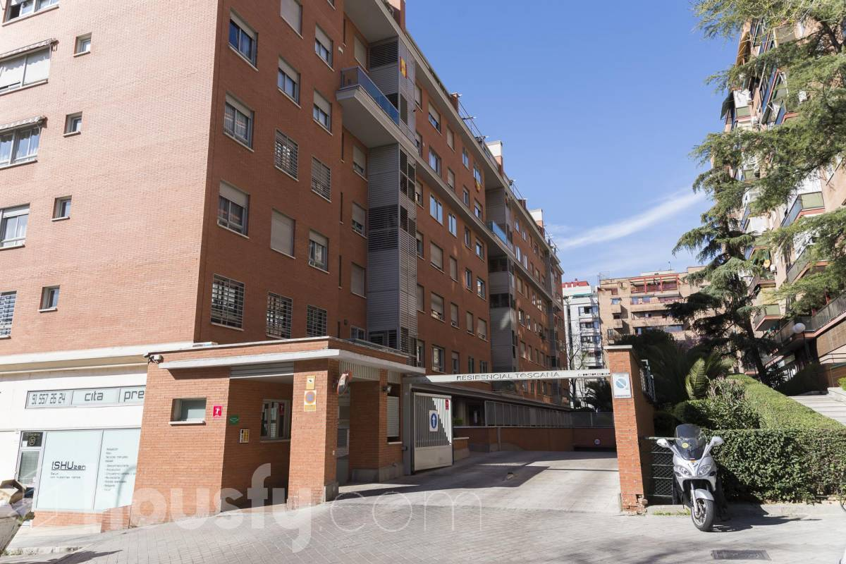 inmobiliaria housfy vende piso en Calle de la Cruz del Sur