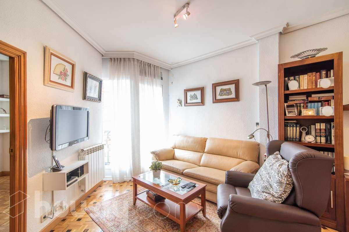 inmobiliaria housfy vende piso en Calle Párroco Julio Morate