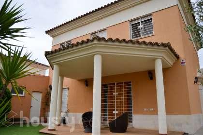 Casa en venta en Calle Carrizo