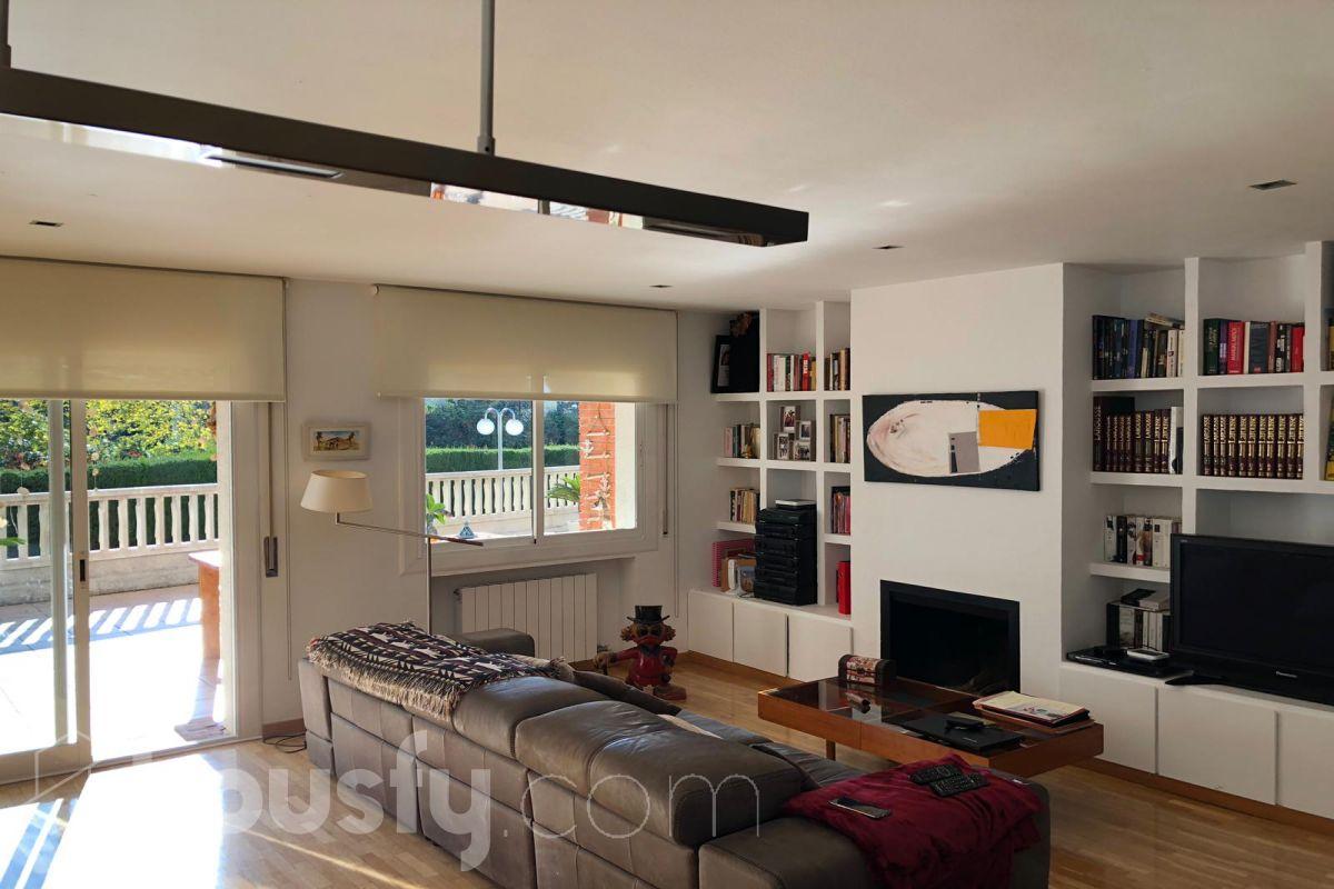 inmobiliaria housfy vende bajo en Passeig del Sol