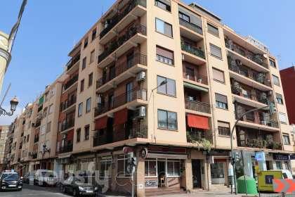 Piso en venta en Avinguda de les Corts Valencianes