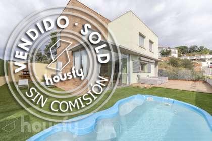 Casa en venta en Carrer Montseny