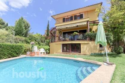 Casa en venta en Carrer del Mussol