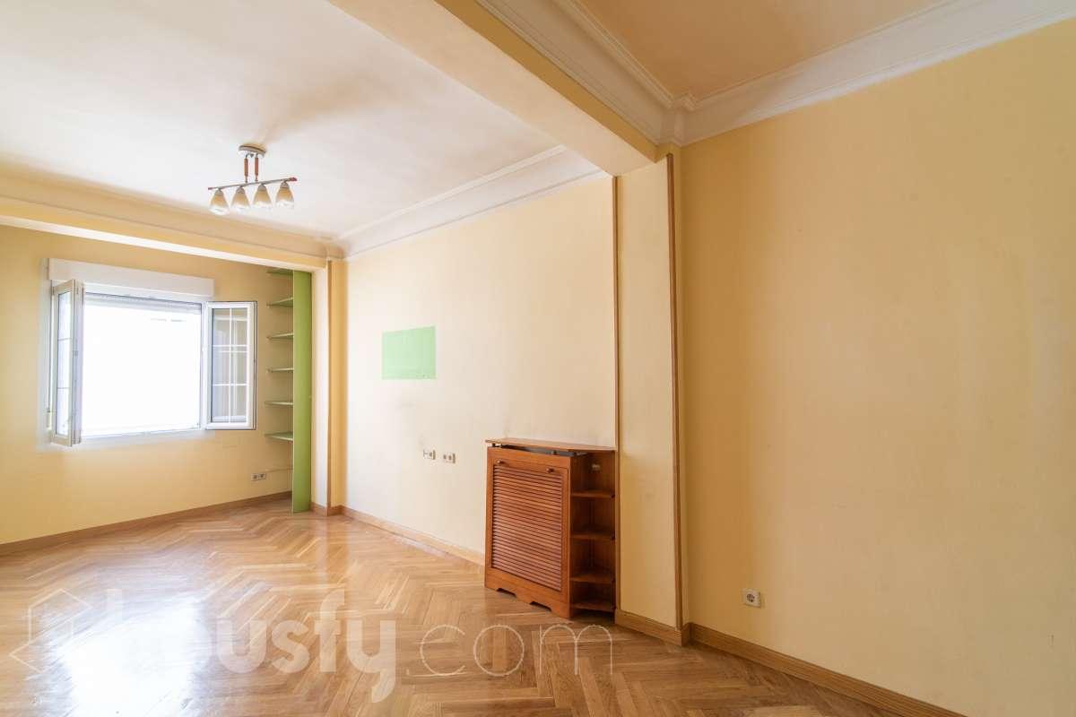 inmobiliaria housfy vende piso en Calle de Alcalá