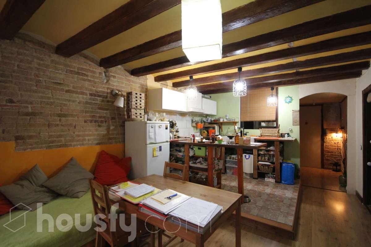 inmobiliaria housfy vende piso en Carrer de Blai