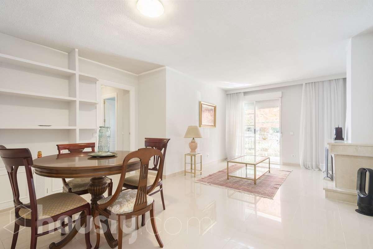 inmobiliaria housfy vende piso en Avenida de las Rocas