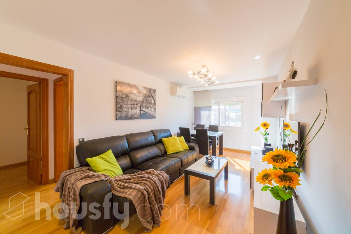 inmobiliaria housfy vende piso en Via Júlia