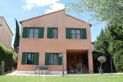 Casa en venta en Riba Roja de Turia   Masia de Traver  calle Iregua
