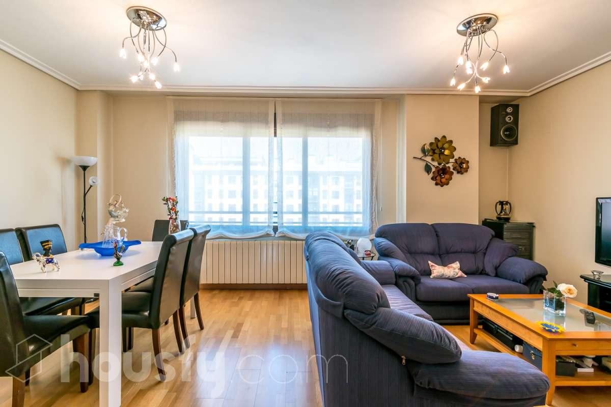 inmobiliaria housfy vende piso en Calle de Antonio Gades