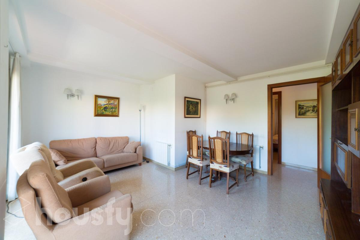 inmobiliaria housfy vende piso en Passeig de la Peira