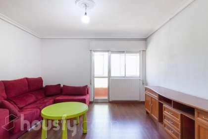 inmobiliaria housfy vende piso en Calle Valdés Salas