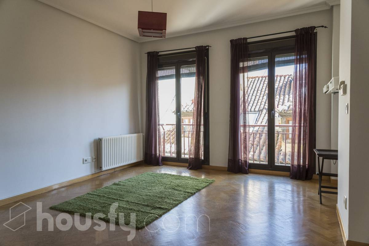 inmobiliaria housfy vende piso en Calle de Atocha