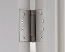 Self closing door hinge packs