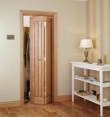 Dordogne oak bi-fold door