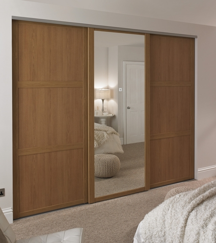 Oak Shaker Panel Amp Mirror Door Howdens Joinery