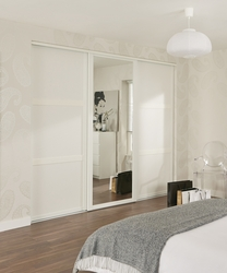 White Shaker panel & mirror door