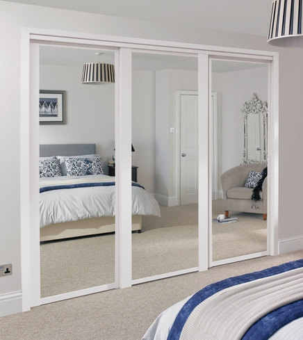 White Shaker mirror door