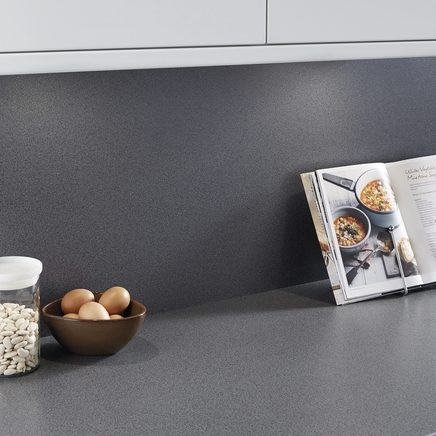 Charcoal matching backboard howdens joinery - Kitchen backboards ...