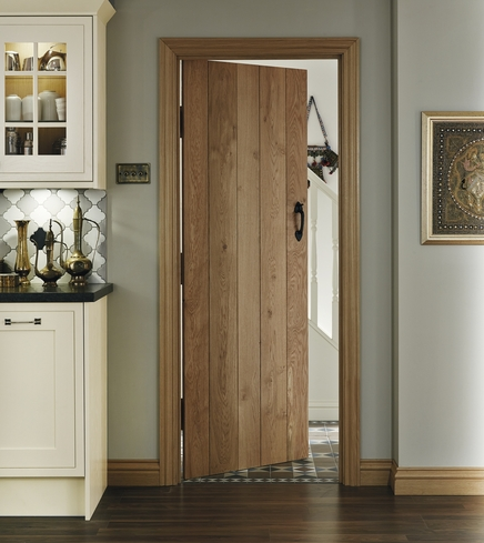 Solid Rustic Oak ledged door & Solid Rustic Oak Ledged Door | Howdens Joinery