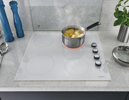 White Ceramic Hob Side Control By Lamona Howdens Joinery