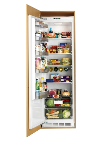 Lamona integrated full-height larder fridge