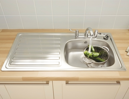Lamona single bowl sink (2 tap holes)