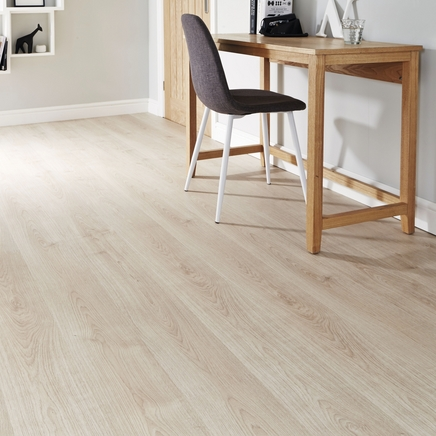 Light Oak laminate flooring