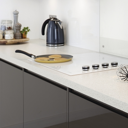 Quartzstone White worktop
