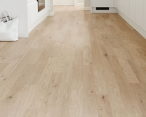 Professional Light Oak laminate flooring