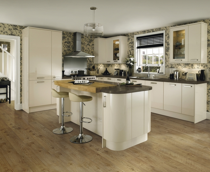 Glendevon Gloss Ivory Kitchen Universal Kitchens Howdens Joinery