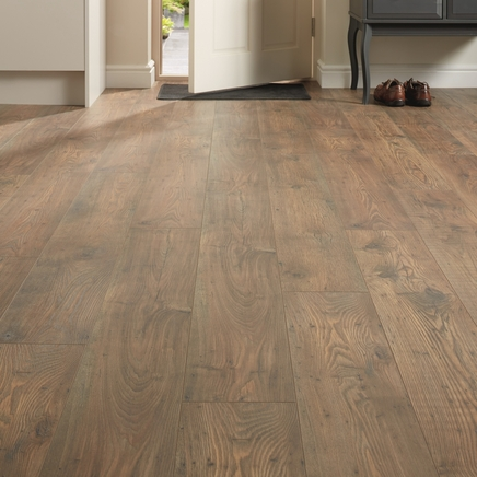 Professional Fast Fit V Groove Rustic Chestnut Oak laminate flooring