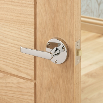victorian chrome rose door handle howdens joinery. Black Bedroom Furniture Sets. Home Design Ideas