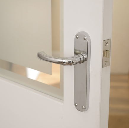 Idro Chrome latch door handle & Idro Chrome Door Handle | Howdens Joinery