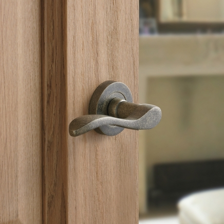 Pewter Effect Scroll Rose Door Handle