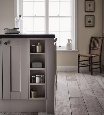 fairford cashmere kitchen shaker kitchens howdens joinery. Black Bedroom Furniture Sets. Home Design Ideas