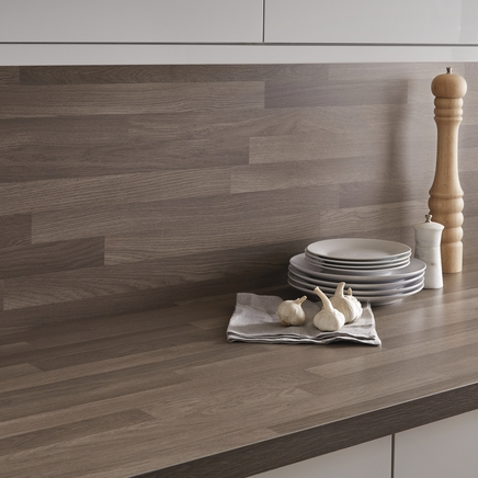 Oak block effect backboard matching worktop backboards kitchen worktop backboards howdens - Kitchen backboards ...
