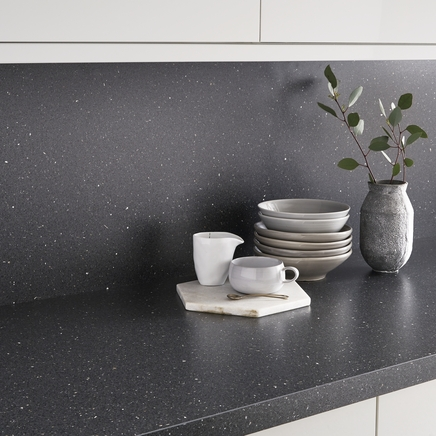 Quartzstone grey backboard kitchen worktop backboards howdens joinery - Kitchen backboards ...