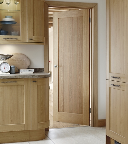 Pre-finished Genoa Oak door & Pre-Finished Genoa Oak Door | Howdens Joinery