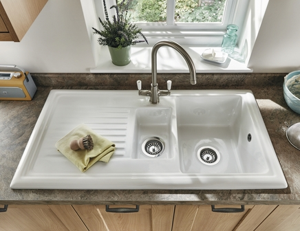 Lamona ceramic 1.5 bowl sink | Ceramic kitchen sinks | Howdens Joinery