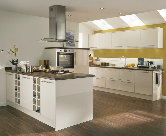 Greenwich Gloss Ivory Kitchen Universal Kitchens Howdens Joinery