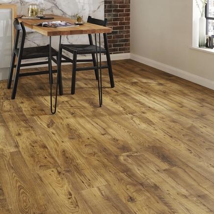 Quickstep Livyn Vintage Chestnut Natural vinyl flooring