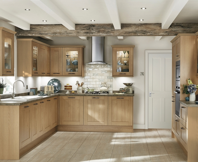 fairford light oak kitchen shaker kitchens howdens joinery